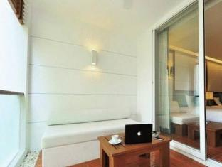 The Sea Patong Hotel Phuket - Otelin İç Görünümü