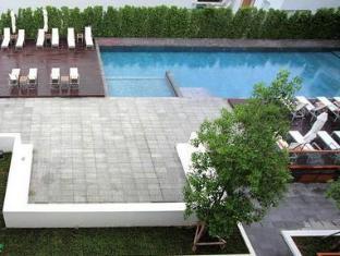 The Sea Patong Hotel Phuket - Bể bơi