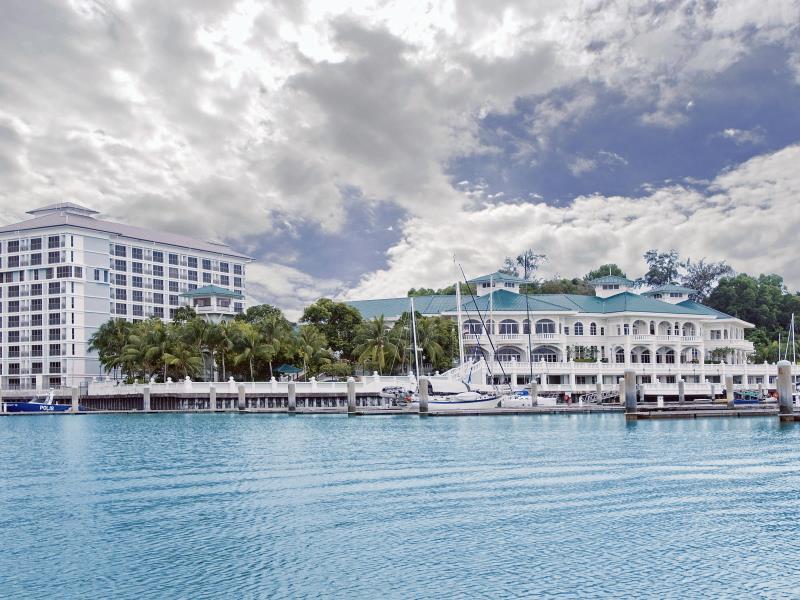 Avillion Admiral Cove Hotel