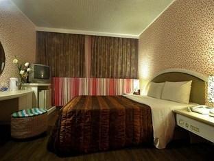 Moon Lake Hotel – Houyi - More photos