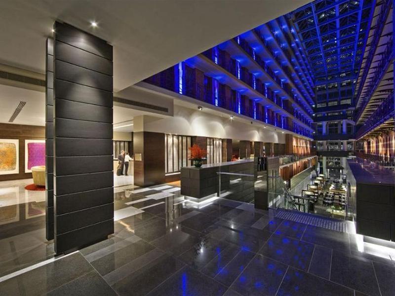 Hotel Rialto Victoria Room Service