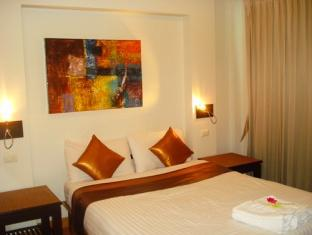 3rd Street Cafe and Guesthouse Hotel Phuket - Gästrum