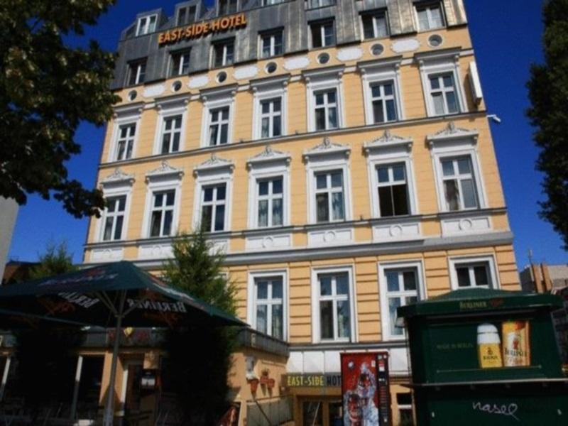 East Side Hotel Berlin - Hotel Exterior