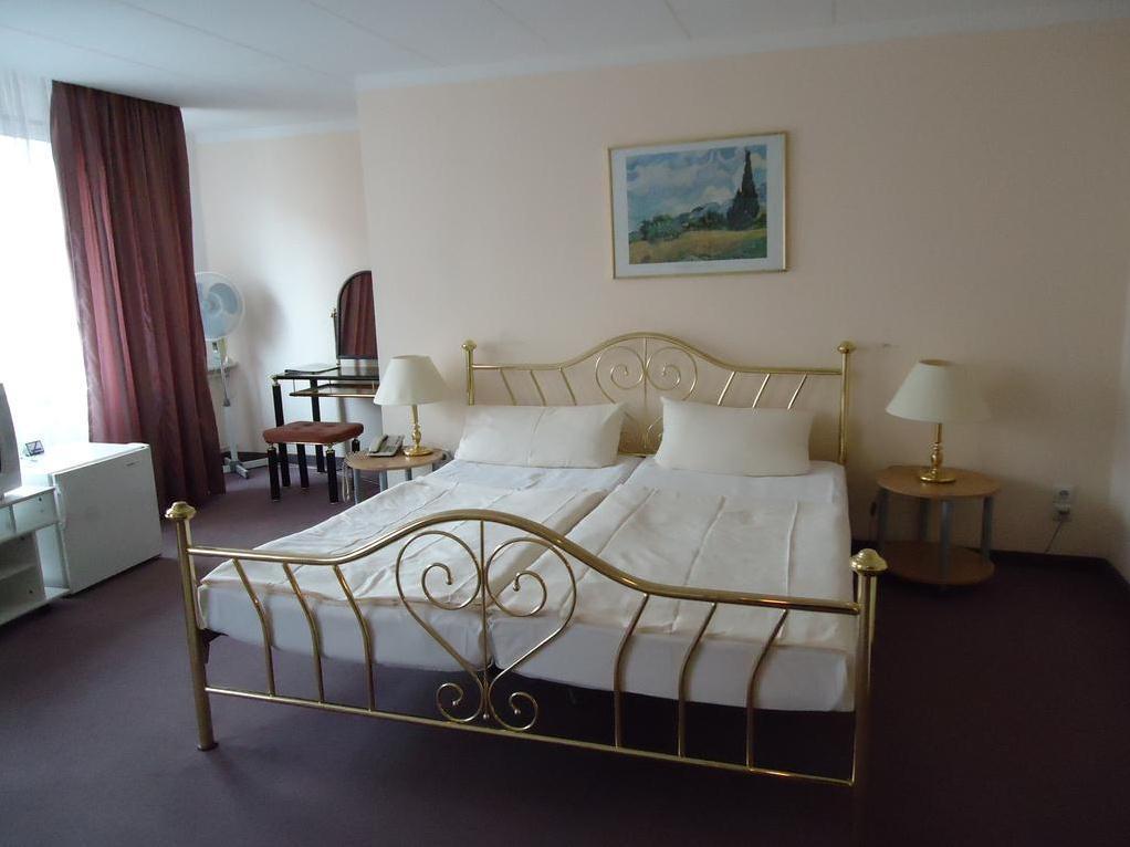 Hotel Kubrat - Hotell och Boende i Tyskland i Europa