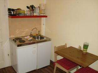 Pension und Restaurant Freiraum Berlin - kitchenette