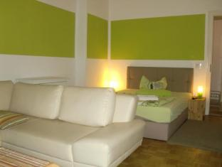 Pension und Restaurant Freiraum Berlin - holiday flat