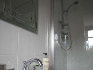 Pebble Cottage B and B Birmingham - Bathroom