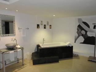 Mayafair Design Hotel Cancun - Bathroom