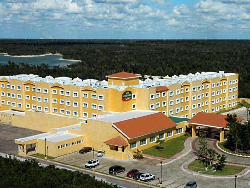 Courtyard by Marriott Cancun Hotel