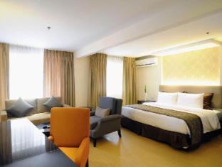 Imperial Palace Suites Quezon City Hotel Manila - Premiere Suite