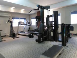 Imperial Palace Suites Quezon City Hotel Manila - Fitness Room