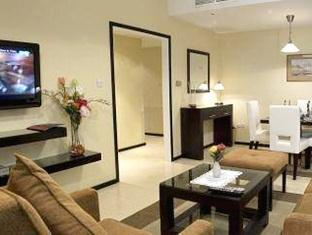 Faras Al Sahra Hotel Apartment Dubai - Apartment Living Area