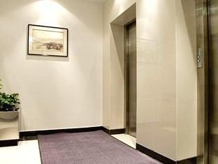 Faras Al Sahra Hotel Apartment Dubai - Guest Lifts