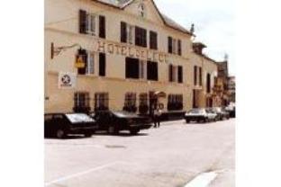 Logis L  Ecu Hotel