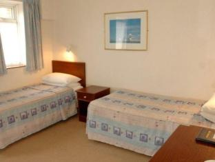 Royal Maritime Club Portsmouth - Guest Room
