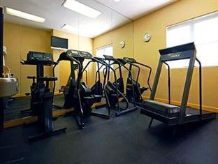 Clarion Hotel at LaGuardia Airport New York (NY) - Fitness Room