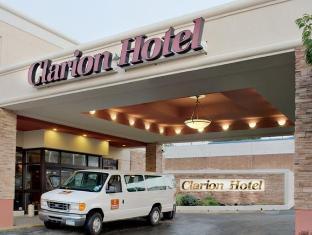 Clarion Hotel at LaGuardia Airport New York (NY) - Exterior