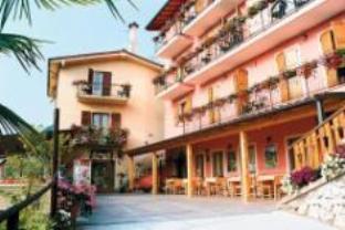 Agritur Eden Marone Hotel