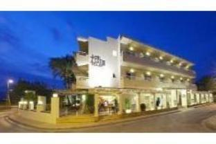 Lux Isla Hotel
