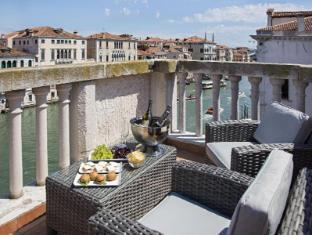 NH Palazzo Barocci Venice - Balcony/Terrace