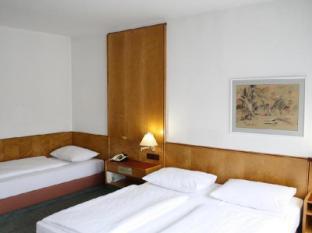 Hotel Ekazent Schoenbrunn Vienna - Guest Room
