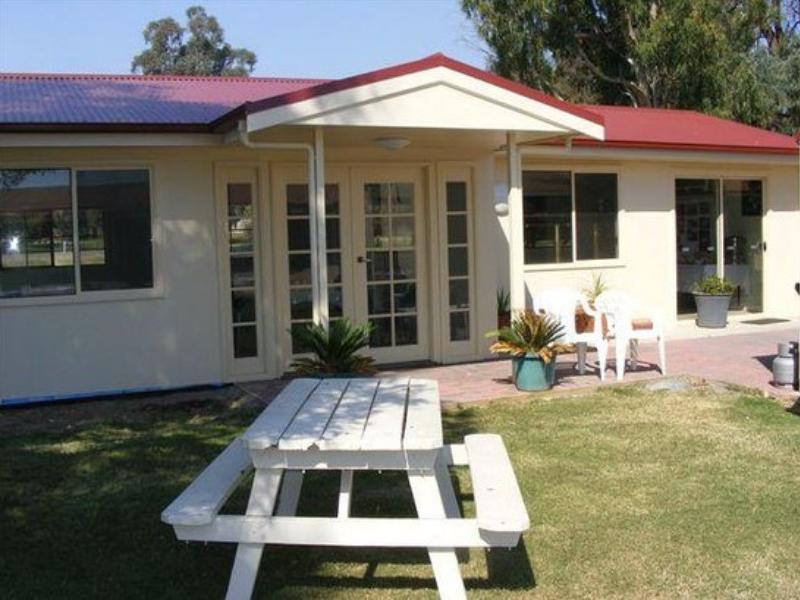 Barooga Golf View Motel - Hotell och Boende i Australien , Cobram / Barooga