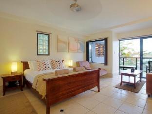 at Waterfront Whitsunday Retreat Hotel Whitsundays - Balcony Spa Suite