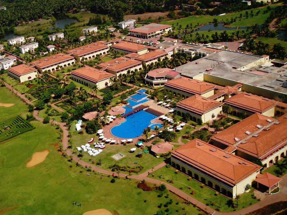 The LaLiT Golf & Spa Resort Goa Dienvidu Goa - Peldbaseins