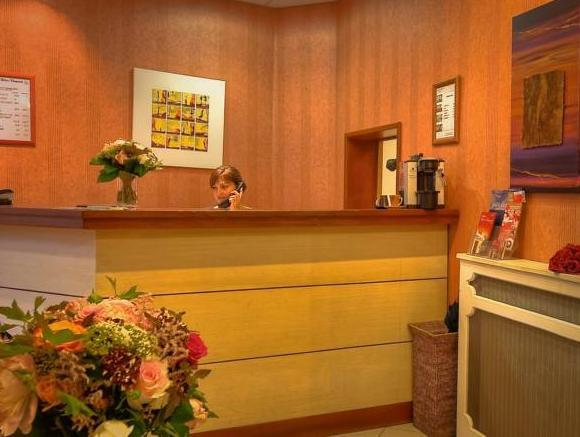 Delos Vaugirard Hotel