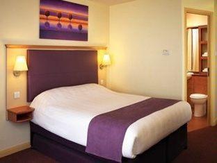 Premier Inn London County Hall London - Guest Room
