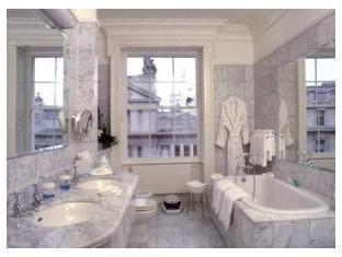 The Merrion Hotel Dublin - Bathroom