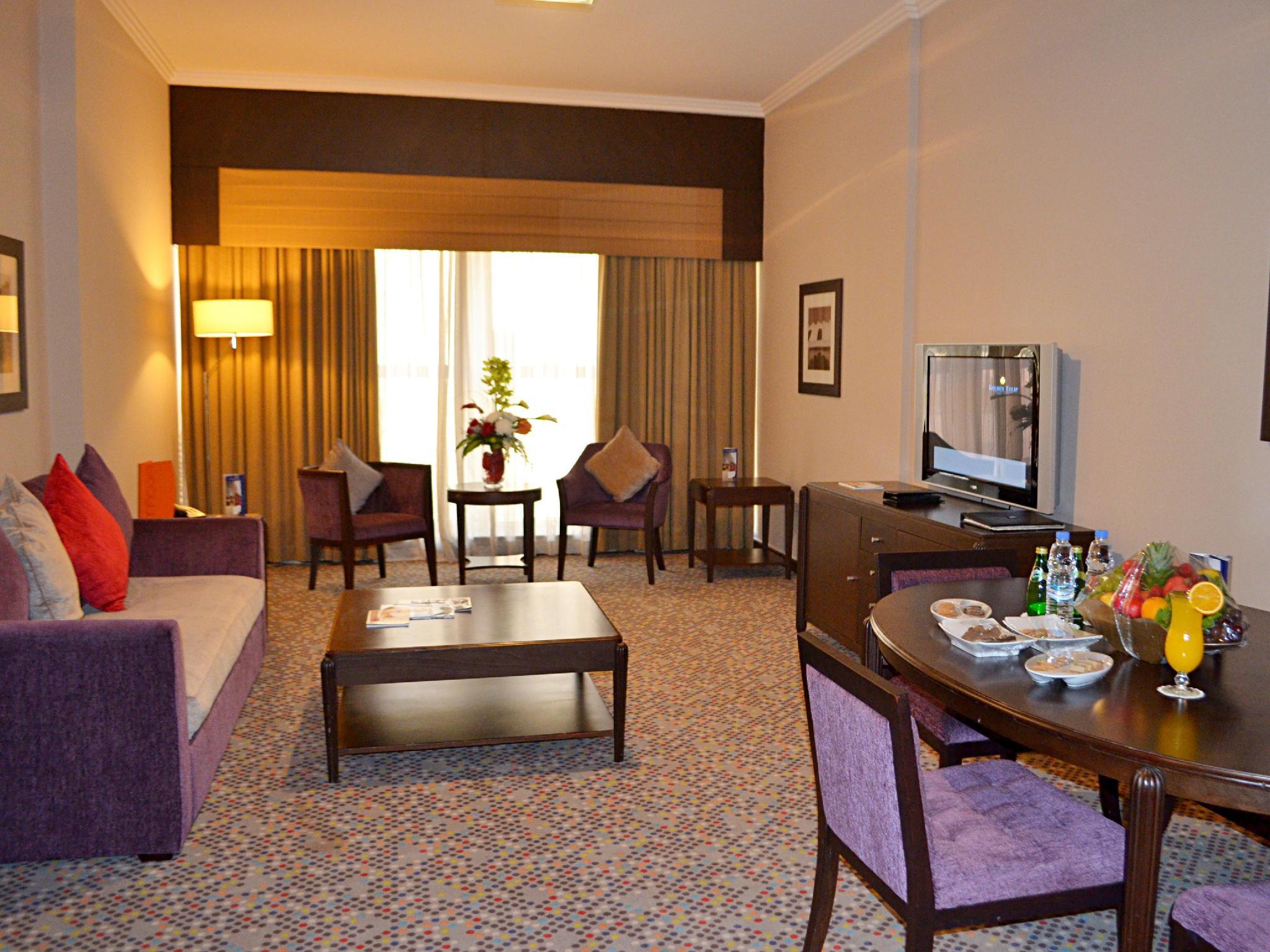 Golden Tulip Suites - Dubai Dubai - One Bedroom