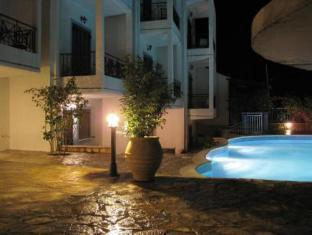 Avra Hotel Monastiraki - Swimming Pool