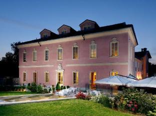 Castello Dal Pozzo Hotel