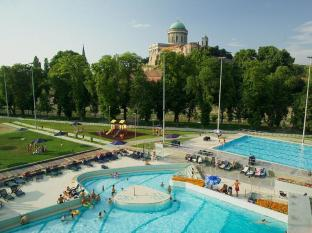 Hotel Esztergom Esztergom - Aquasziget Swimming Pool near to the Hotel