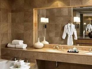 Inn at Laurel Point Victoria (BC) - Bathroom