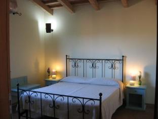 La Corte Degli Ulivi Hotel Tresnuraghes - Guest Room