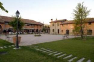 Relais Cascina Scottina Hotel