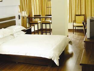 Easy Inn Lake View Hotel