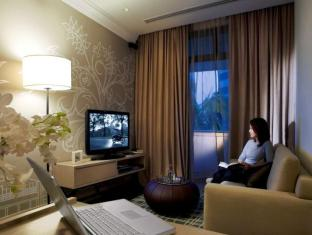 Fraser Suites River Valley Singapore - One Bedroom Residence - Living room with work area