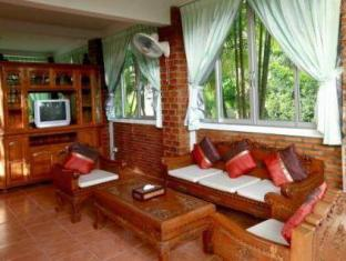 Naiharn Garden Resort Phuket - Hotellet från insidan