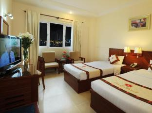 Lan Lan 1 Hotel Ho Chi Minh City - Deluxe Twin Bed Park View