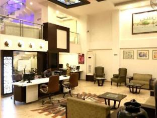 Hotel Le Roi New Delhi and NCR - Reception