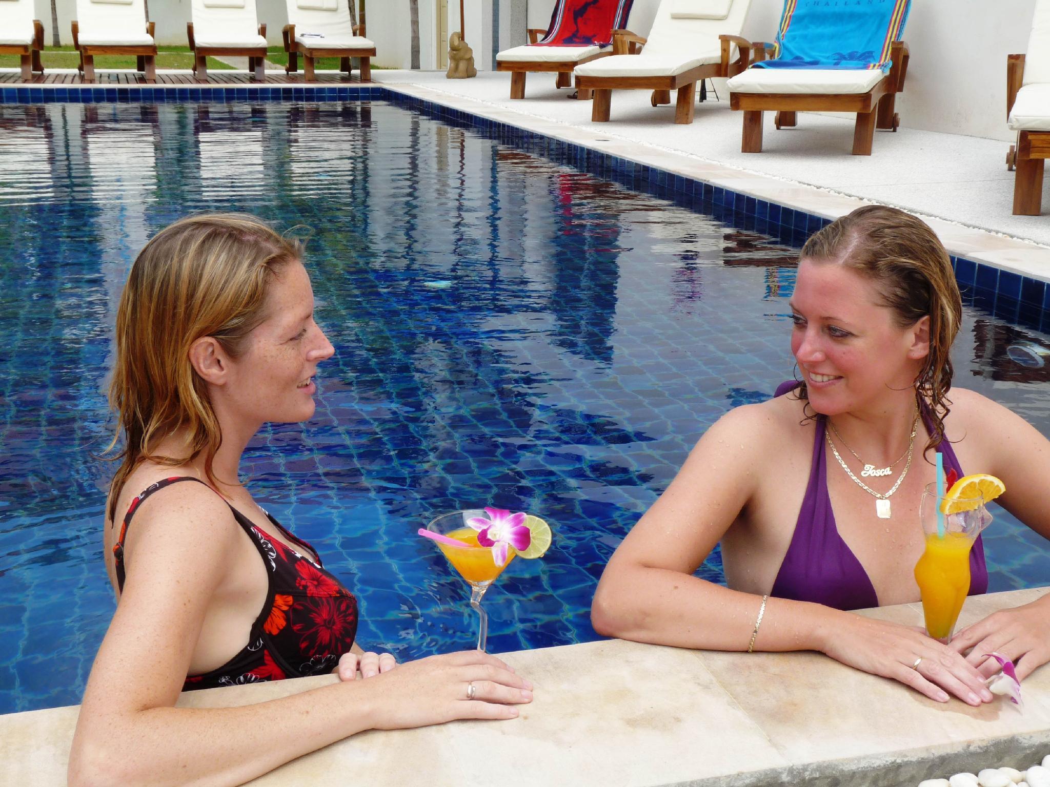 Hotell Kata Beach Center Hotel i Kata, Phuket. Klicka för att läsa mer och skicka bokningsförfrågan