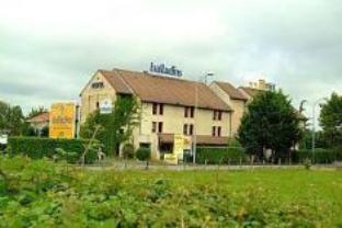 Hotel Balladins Pau / Lons