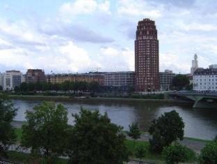 Hotel Central Frankfurt Frankfurt am Main - View