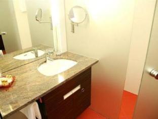 โฮเทล ชลอสส์เวียร์ท คลาเกนฟูร์ท อิน เอเบนทัล คลาเกนเฟิร์ต - ห้องน้ำ