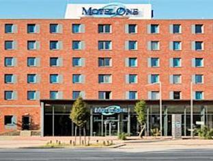 Motel One Hamburg Airport Hamburg - Hotel Exterior