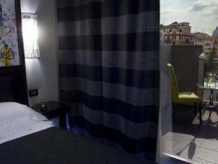 Twenty One Hotel Rome - Guest Room