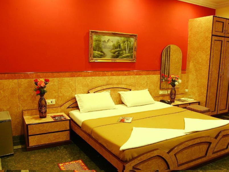 Suriya International Hotel - Hotell och Boende i Indien i Chennai